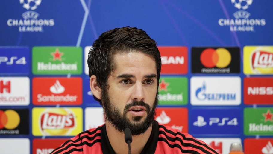 MADRID, SPAIN - OCTOBER 22: Isco of Real Madrid during the   Training session Real Madrid at the Santiago Bernabeu on October 22, 2018 in Madrid Spain (Photo by David S. Bustamante/Soccrates /Getty Images)