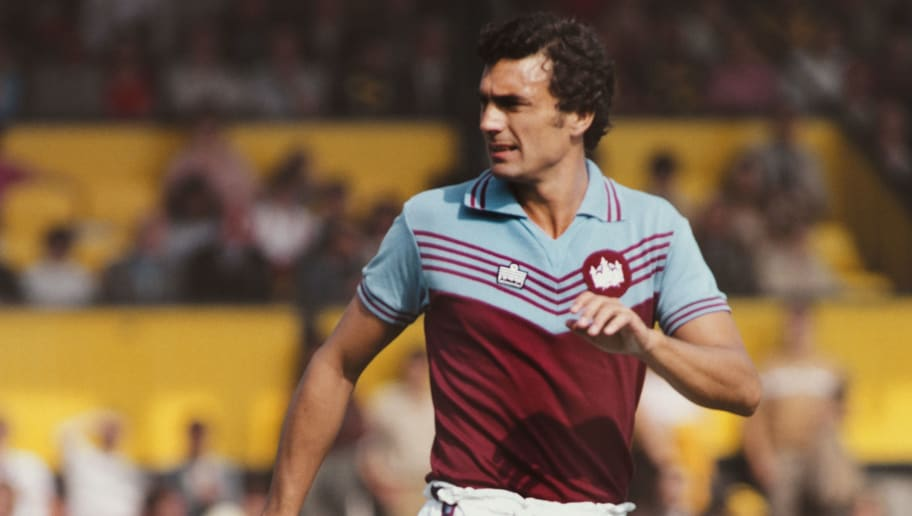 4bebd4565 West Ham Home & Away Kits 2019/20: Leaked Images Feature Iconic 1970s Retro  Look for Hammers
