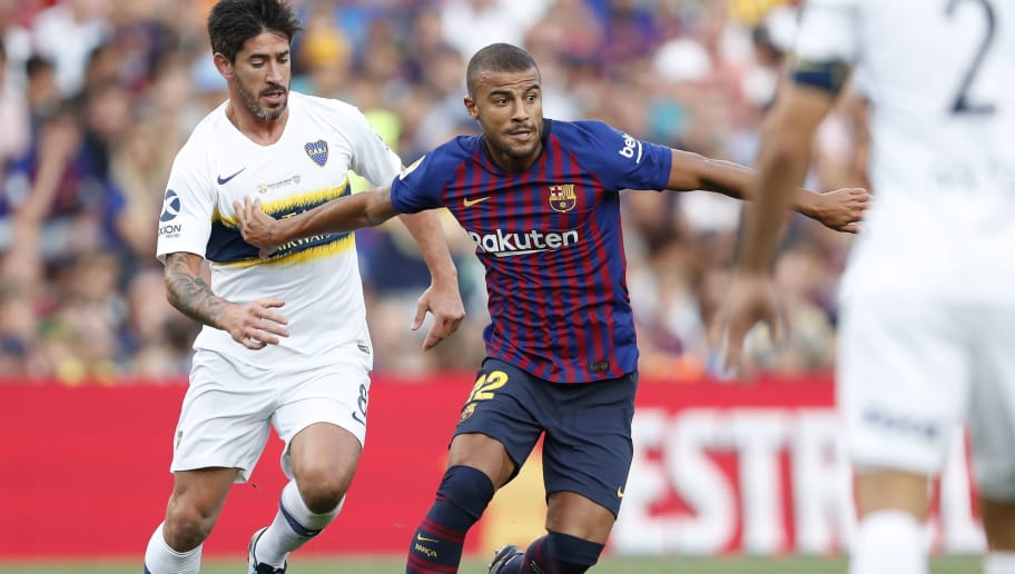(L-R) Pablo Perez of CA Boca Juniors, Rafinha of FC Barcelona during the Trofeu Joan Gamper match between FC Barcelona and Boca Juniors at the Camp Nou stadium on August 15, 2018 in Barcelona, Spain(Photo by VI Images via Getty Images)