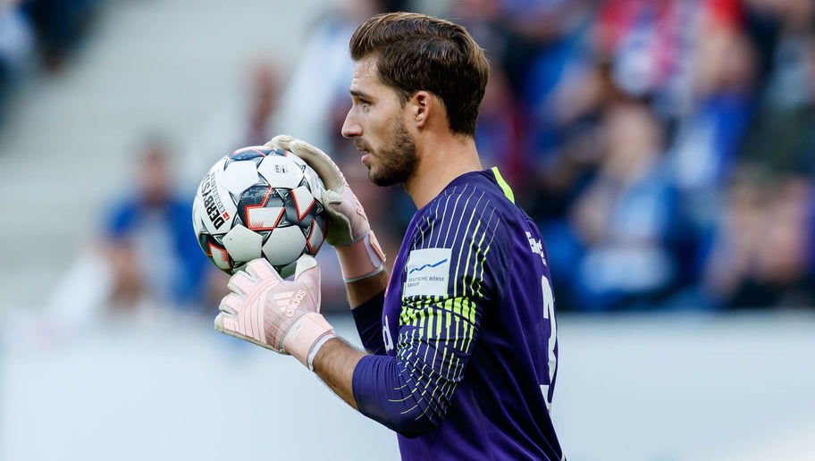 SINSHEIM, GERMANY - OCTOBER 07: Goalkeeper Kevin Trapp of Eintracht Frankfurt controls the ball during the Bundesliga match between TSG 1899 Hoffenheim and Eintracht Frankfurt at Wirsol Rhein-Neckar-Arena on October 7, 2018 in Sinsheim, Germany. (Photo by TF-Images/Getty Images)