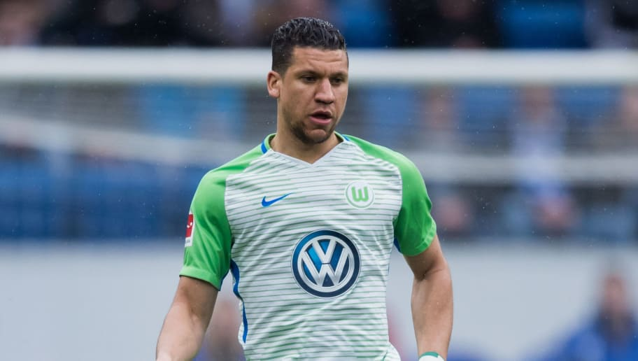 SINSHEIM, GERMANY - MARCH 10: Jeffrey Bruma of Wolfsburg controls the ball during the Bundesliga match between TSG 1899 Hoffenheim and VfL Wolfsburg at Wirsol Rhein-Neckar-Arena on March 10, 2018 in Sinsheim, Germany. (Photo by Simon Hofmann/Getty Images)