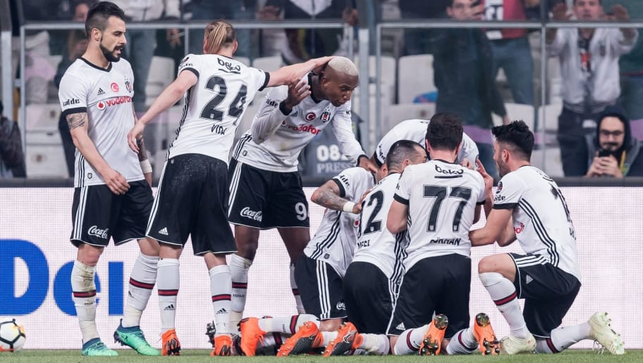 Besiktas celebrate the goal of Anderson Souza Conceicao ( Talisca ) of Besiktas JK during the Turkish Spor Toto Super Lig football match between Besiktas JK and Evkur Yeni Malatyaspor on April 22, 2018 at the Vodafone Arena in Istanbul, Turkey(Photo by VI Images via Getty Images)