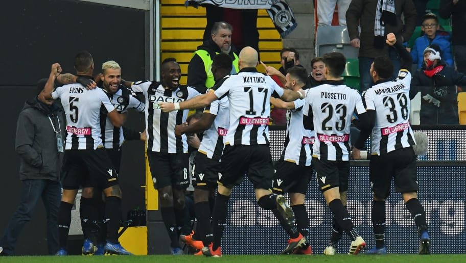 UDINE, ITALY - DECEMBER 29:  Valon Behrami of Udinese Calcio celebrates after scoring his team second goal with tem mates during the Serie A match between Udinese and Cagliari at Stadio Friuli on December 29, 2018 in Udine, Italy.  (Photo by Alessandro Sabattini/Getty Images)