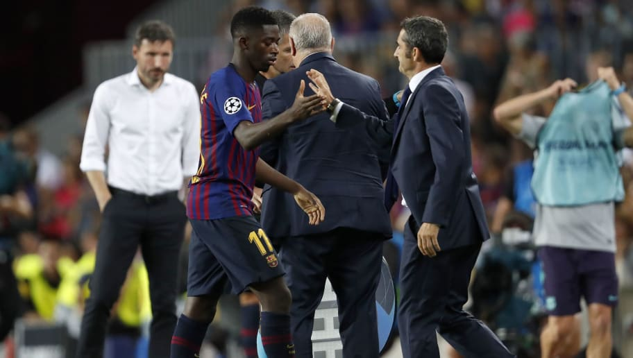 (L-R) Ousmane Dembele of FC Barcelona, FC Barcelona coach Ernesto Valverde during the UEFA Champions League group B match between FC Barcelona and PSV Eindhoven at the Camp Nou stadium on September 18, 2018 in Barcelona, Spain.(Photo by VI Images via Getty Images)