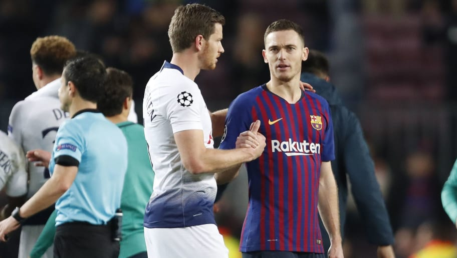 (l-r) Jan Vertonghen of Tottenham Hotspur FC, Thomas Vermaelen of FC Barcelona during the UEFA Champions League group B match between FC Barcelona and Tottenham Hotspur FC at the Camp Nou stadium on December 11, 2018 in Barcelona, Spain(Photo by VI Images via Getty Images)