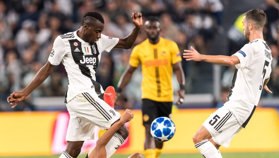 (L-R) Blaise Matuidi of Juventus FC, Djibril Sow of BSC Young Boys , Miralem Pjanic of Juventus FC during the UEFA Champions League group H match between Juventus FC and Young Boys at the Allianz Arena on October 02, 2018 in Turin, Italy(Photo by VI Images via Getty Images)