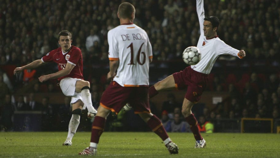 MANCHESTER, UNITED KINGDOM - APRIL 10:  Michael Carrick of Manchester United scores his team's sixth goal during the UEFA Champions League Quarter Final, second leg match between Manchester United and AS Roma at Old Trafford on April 10, 2007 in Manchester, England.  (Photo by Laurence Griffiths/Getty Images)