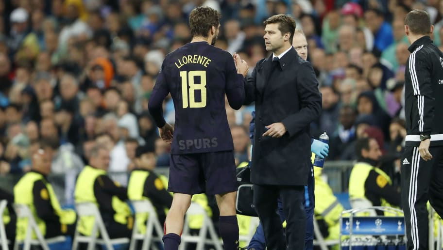 (L-R) Fernando Llorente of Tottenham Hotspur FC, coach Mauricio Pochettino of Tottenham Hotspur FC during the UEFA Champions League group H match between Real Madrid and Tottenham Hotspur on October 17, 2017 at the Santiago Bernabeu stadium in Madrid, Spain.(Photo by VI Images via Getty Images)