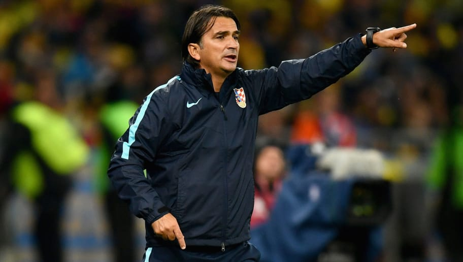 KIEV, UKRAINE - OCTOBER 09:  Zlatko Dalic , Manager of Croatia gives instructions during the FIFA 2018 World Cup Group I Qualifier between Ukraine and Croatia at Kiev Olympic Stadium on October 9, 2017 in Kiev, Ukraine.  (Photo by Dan Mullan/Getty Images)