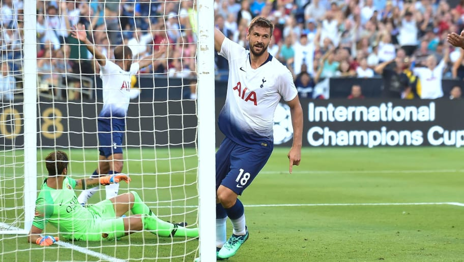 Fernando Llorente (C) of Tottenham Hotspur celebrates after scoring past AS Roma goalkeeper Antonio Mirante (L) during their International Champions Cup match in San Diego, California on July 25, 2018, where Tottenham defeated Roma 4-1. (Photo by Frederic J. BROWN / AFP)        (Photo credit should read FREDERIC J. BROWN/AFP/Getty Images)