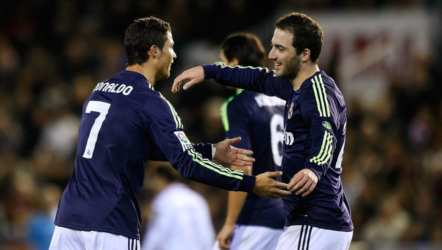 official photos d11a8 acaf5 Gonzalo Higuain Eager to Reunite With Cristiano Ronaldo ...
