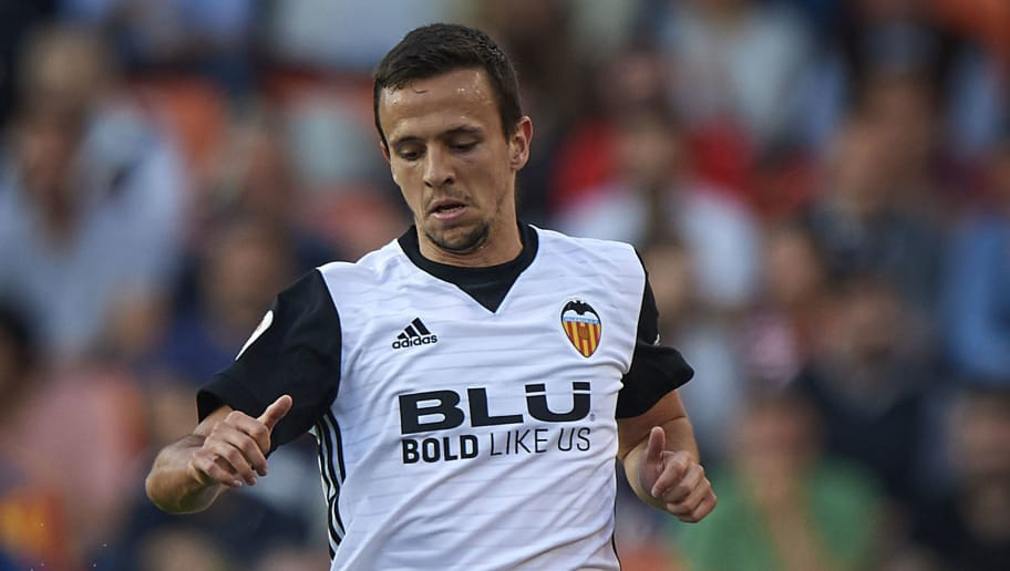 VALENCIA, SPAIN - APRIL 18:  Nemanja Maksimovic of Valencia in action during the La Liga match between Valencia and Getafe at Mestalla Stadium on April 18, 2018 in Valencia, Spain.  (Photo by Quality Sport Images/Getty Images)