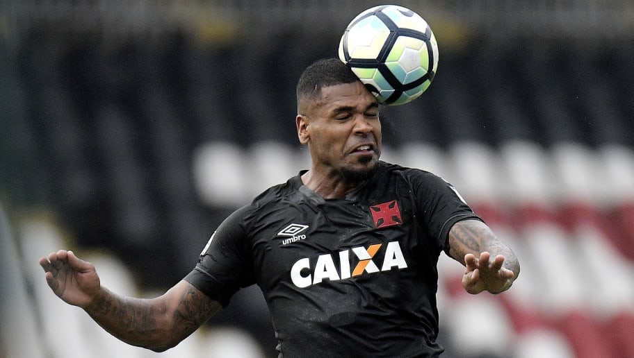 RIO DE JANEIRO, BRAZIL - SEPTEMBER 30: Breno of Vasco da Gama in action during the match between Vasco da Gama and Chapecoense as part of Brasileirao Series A 2017 at Sao Januario Stadium on September 30, 2017 in Rio de Janeiro, Brazil. (Photo by Alexandre Loureiro/Getty Images)