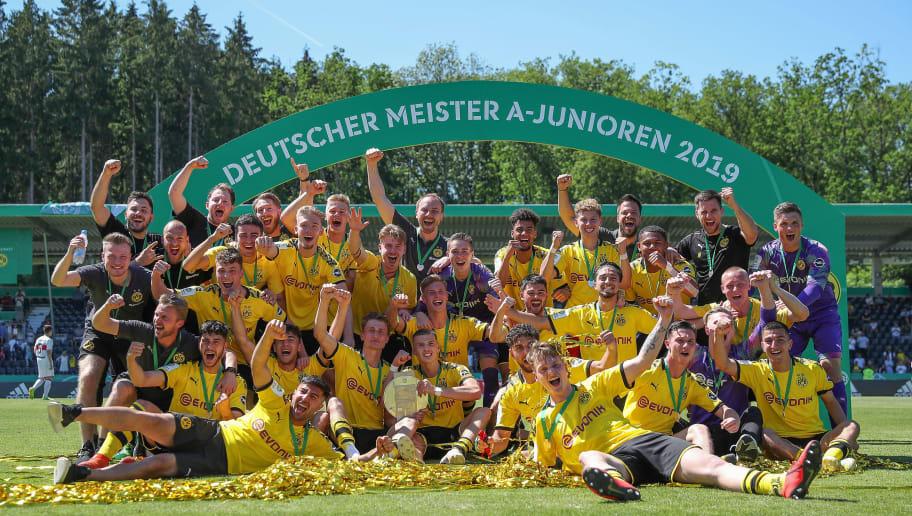 VfB Stuttgart U19 v Borussia Dortmund U19 - A-Juniors German Championship Final