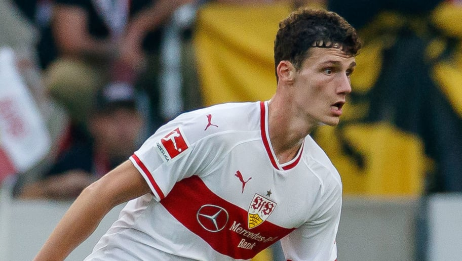 STUTTGART, GERMANY - OCTOBER 20: Benjamin Pavard of VfB Stuttgart controls the ball during the Bundesliga match between VfB Stuttgart and Borussia Dortmund at Mercedes-Benz Arena on October 20, 2018 in Stuttgart, Germany. (Photo by TF-Images/Getty Images)