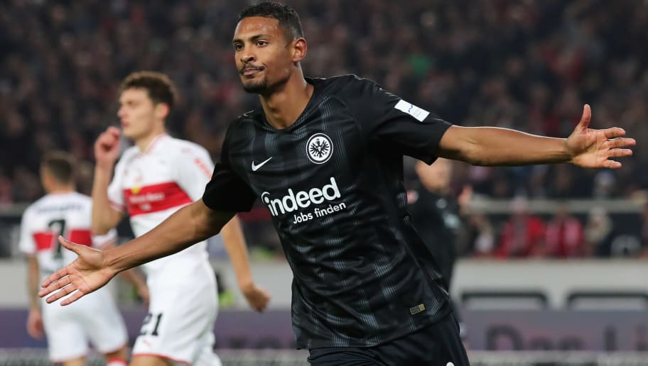 STUTTGART, GERMANY - NOVEMBER 02:  Sebastien Haller of Eintracht Frankfurt celebrates scoring his teams first goal of the game during the Bundesliga match between VfB Stuttgart and Eintracht Frankfurt at Mercedes-Benz Arena on November 2, 2018 in Stuttgart, Germany.  (Photo by Alexander Hassenstein/Bongarts/Getty Images)