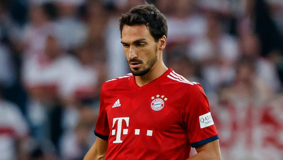 STUTTGART, GERMANY - SEPTEMBER 01: Mats Hummels of Bayern Muenchen  controls the ball  during the Bundesliga match between VfB Stuttgart and FC Bayern Muenchen at Mercedes-Benz Arena on September 1, 2018 in Stuttgart, Germany. (Photo by TF-Images/Getty Images)