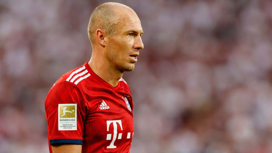STUTTGART, GERMANY - SEPTEMBER 01: Arjen Robben of Bayern Muenchen  looks on  during the Bundesliga match between VfB Stuttgart and FC Bayern Muenchen at Mercedes-Benz Arena on September 1, 2018 in Stuttgart, Germany. (Photo by TF-Images/Getty Images)