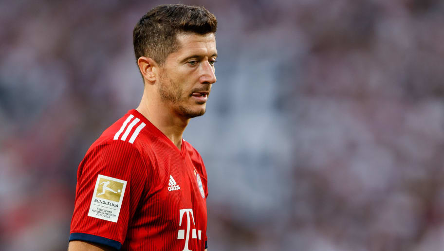 STUTTGART, GERMANY - SEPTEMBER 01: Robert Lewandowski of Bayern Muenchen  looks on  during the Bundesliga match between VfB Stuttgart and FC Bayern Muenchen at Mercedes-Benz Arena on September 1, 2018 in Stuttgart, Germany. (Photo by TF-Images/Getty Images)