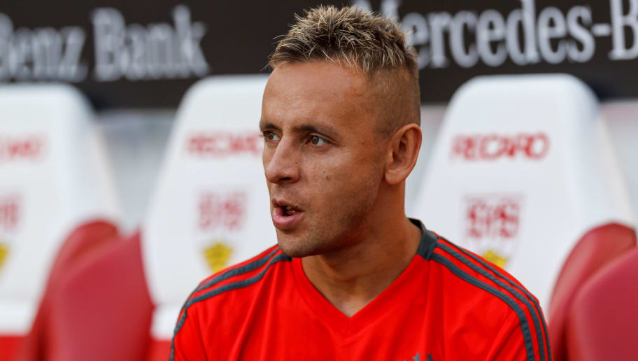 STUTTGART, GERMANY - SEPTEMBER 01: Rafinha of Bayern Muenchen  looks on  prior  the Bundesliga match between VfB Stuttgart and FC Bayern Muenchen at Mercedes-Benz Arena on September 1, 2018 in Stuttgart, Germany. (Photo by TF-Images/Getty Images)