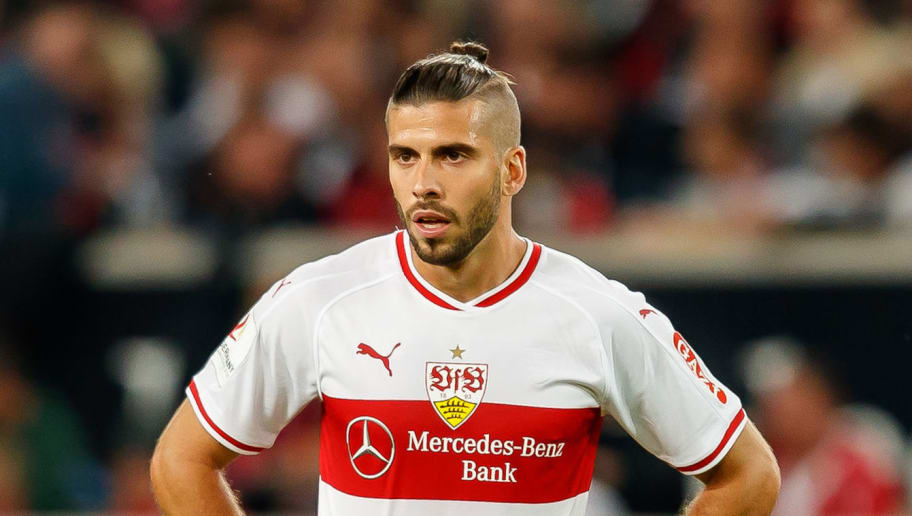 STUTTGART, GERMANY - SEPTEMBER 21: Emiliano Insua of VfB Stuttgart looks on during the Bundesliga match between VfB Stuttgart and Fortuna Duesseldorf at Mercedes-Benz Arena on September 21, 2018 in Stuttgart, Germany. (Photo by TF-Images/Getty Images)