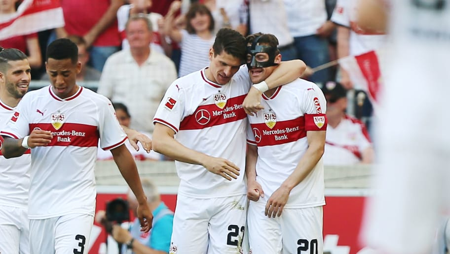 STUTTGART, GERMANY - MAY 05:  Mario Gomez (C) of Stuttgart celebrates his goal with Christian Gentner (R) during the Bundesliga match between VfB Stuttgart and TSG 1899 Hoffenheim at Mercedes-Benz Arena on May 5, 2018 in Stuttgart, Germany.  (Photo by Thomas Niedermueller/Getty Images)