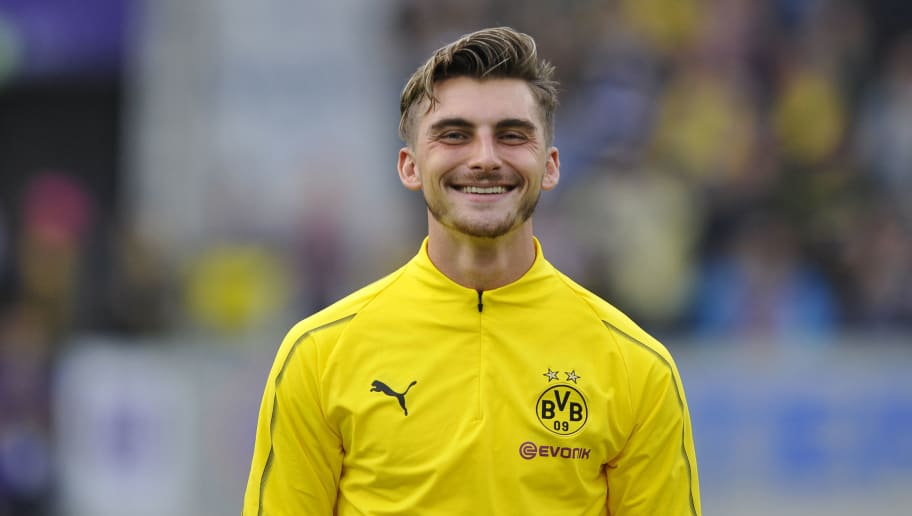 OSNABRÜCK, GERMANY - SEPTEMBER 06:  Maximilian Philipp of Borussia Dortmund  laughs  during the Frendly Match between VfL Osnabrück and Borussia Dortmund at Stadion an der Bremer Brücke on September 6, 2018 in Osnabrück, Germany. (Photo by TF-Images/Getty Images)