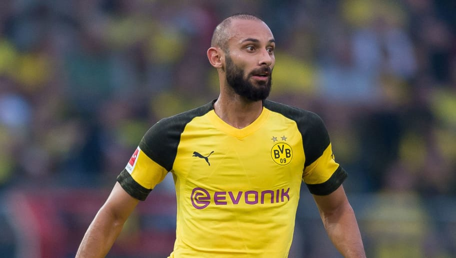OSNABRÜCK, GERMANY - SEPTEMBER 06: Oemer Toprak of Borussia Dortmund controls the ball during the Frendly Match between VfL Osnabrück and Borussia Dortmund at Stadion an der Bremer Brücke on September 6, 2018 in Osnabrück, Germany. (Photo by TF-Images/Getty Images)