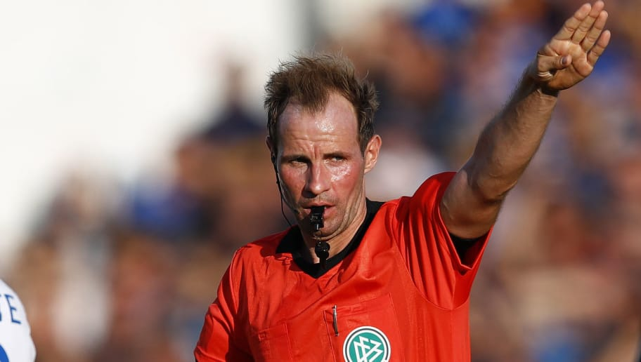 LOTTE, GERMANY - JULY 30: Referee Sascha Stegemann during the 3. Liga match between VfL Sportfreunde Lotte and SV Meppen at Frimo Stadion on July 30, 2018 in Lotte, Germany. (Photo by Joachim Sielski/Bongarts/Getty Images)