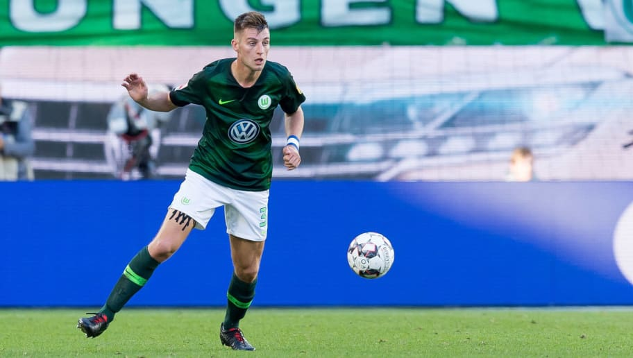 WOLFSBURG, GERMANY - SEPTEMBER 29: Robin Knoche of VfL Wolfsburg controls the ball during the Bundesliga match between VfL Wolfsburg and Borussia Moenchengladbach at Volkswagen Arena on September 29, 2018 in Wolfsburg, Germany. (Photo by TF-Images/Getty Images)