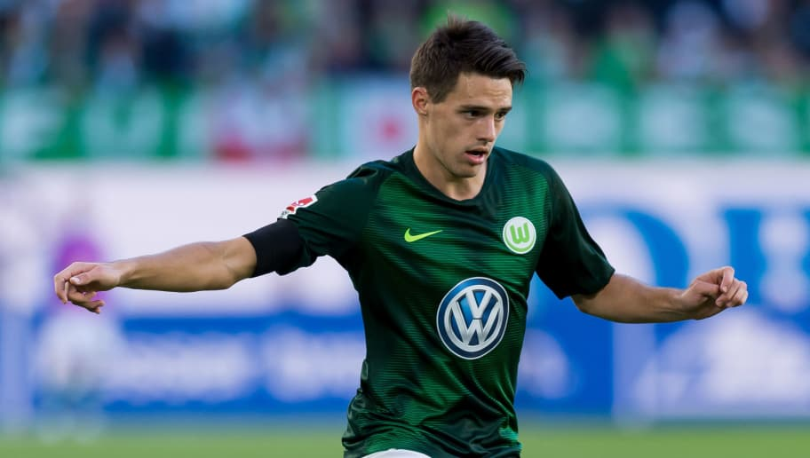 WOLFSBURG, GERMANY - SEPTEMBER 29: Josip Brekalo of VfL Wolfsburg controls the ball during the Bundesliga match between VfL Wolfsburg and Borussia Moenchengladbach at Volkswagen Arena on September 29, 2018 in Wolfsburg, Germany. (Photo by TF-Images/Getty Images)
