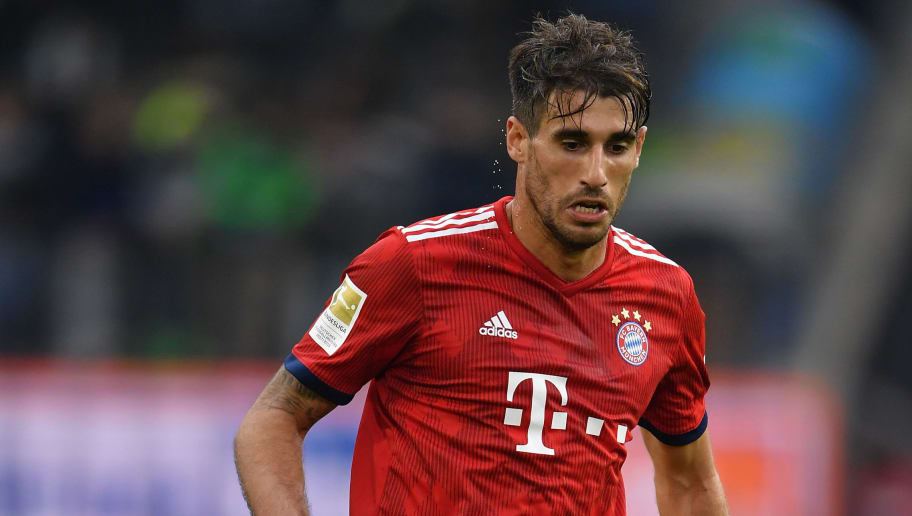 WOLFSBURG, GERMANY - OCTOBER 20:  Javi Martinez of Muenchen in action during the Bundesliga match between VfL Wolfsburg and FC Bayern Muenchen at Volkswagen Arena on October 20, 2018 in Wolfsburg, Germany.  (Photo by Stuart Franklin/Bongarts/Getty Images)