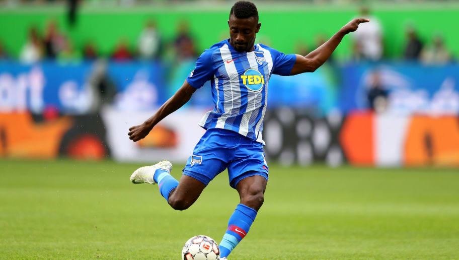 WOLFSBURG, GERMANY - SEPTEMBER 15:  Salomon Kalou of Berlin runs with the ball during the Bundesliga match between VfL Wolfsburg and Hertha BSC at Volkswagen Arena on September 15, 2018 in Wolfsburg, Germany.  (Photo by Martin Rose/Bongarts/Getty Images)