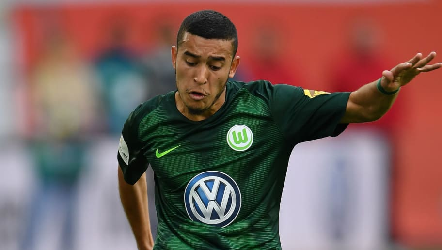 WOLFSBURG, GERMANY - SEPTEMBER 22:  William of Wolfsburg in action during the Bundesliga match between VfL Wolfsburg and Sport-Club Freiburg at Volkswagen Arena on September 22, 2018 in Wolfsburg, Germany.  (Photo by Stuart Franklin/Bongarts/Getty Images)
