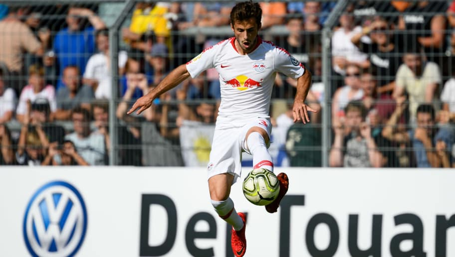 COLOGNE, GERMANY - AUGUST 19: Marcelo Saracchi of RB Leipzig controls the ball during the DFB Cup first round match between Viktoria Koeln and RB Leipzig at Sportpark Hoehenberg on August 19, 2018 in Cologne, Germany. (Photo by TF-Images/Getty Images)