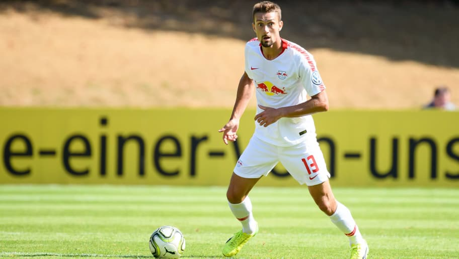 COLOGNE, GERMANY - AUGUST 19: Stefan Ilsanker of RB Leipzig controls the ball during the DFB Cup first round match between Viktoria Koeln and RB Leipzig at Sportpark Hoehenberg on August 19, 2018 in Cologne, Germany. (Photo by TF-Images/Getty Images)
