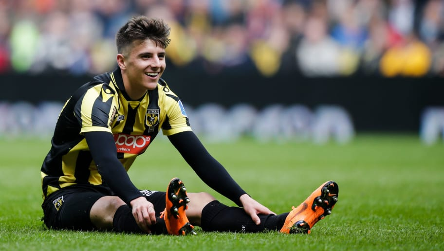 ARNHEM, NETHERLANDS - APRIL 29: Mason Mount of Vitesse during the Dutch Eredivisie  match between Vitesse v Fc Twente at the GelreDome on April 29, 2018 in Arnhem Netherlands (Photo by Erwin Spek/Soccrates/Getty Images)