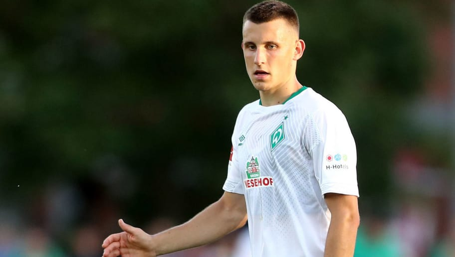 LOHNE BEI VECHTA, GERMANY - JULY 30: Maximilian Eggestein of Bremen runs with the ball during the Pre Season Friendly Match between VVV Venlo and Werder Bremen at Heinz-Dettmer-Stadion Lohne on July 30, 2018 in Lohne bei Vechta, Germany. (Photo by Christof Koepsel/Getty Images)