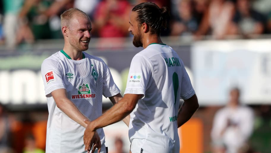LOHNE BEI VECHTA, GERMANY - JULY 30: Martin Harnik of Bremen (R) celebrates the first goal with Davy Klaassen of Bremen (L) during the Pre Season Friendly Match between VVV Venlo and Werder Bremen at Heinz-Dettmer-Stadion Lohne on July 30, 2018 in Lohne bei Vechta, Germany. (Photo by Christof Koepsel/Getty Images)