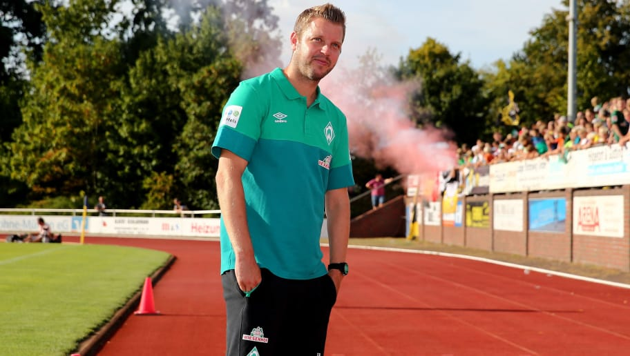 LOHNE BEI VECHTA, GERMANY - JULY 30: Head coach Florian Kohfeldt of Bremen looks on prior to the Pre Season Friendly Match between VVV Venlo and Werder Bremen at Heinz-Dettmer-Stadion Lohne on July 30, 2018 in Lohne bei Vechta, Germany. (Photo by Christof Koepsel/Getty Images)