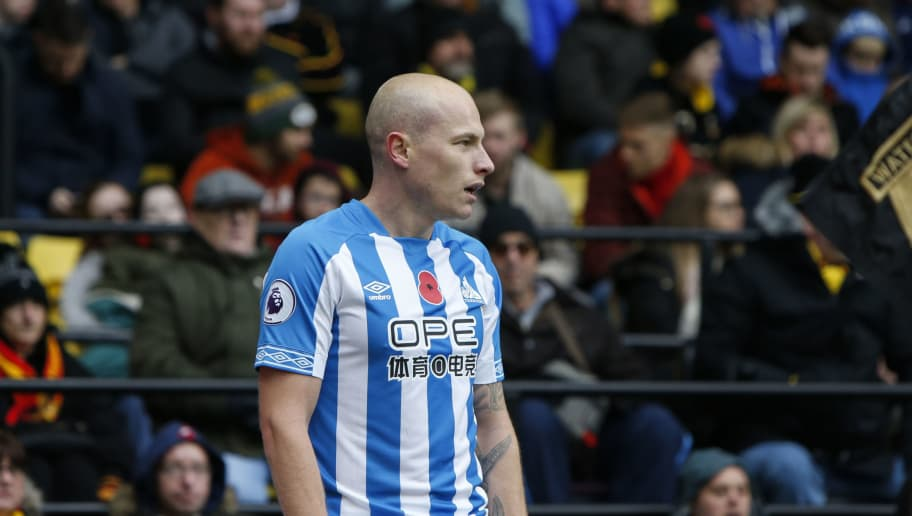 WATFORD, ENGLAND - OCTOBER 27: Aaron Mooy of Huddersfield Town during the Premier League match between Watford FC and Huddersfield Town at Vicarage Road on October 27, 2018 in Watford, United Kingdom. (Photo by William Early/Getty Images)