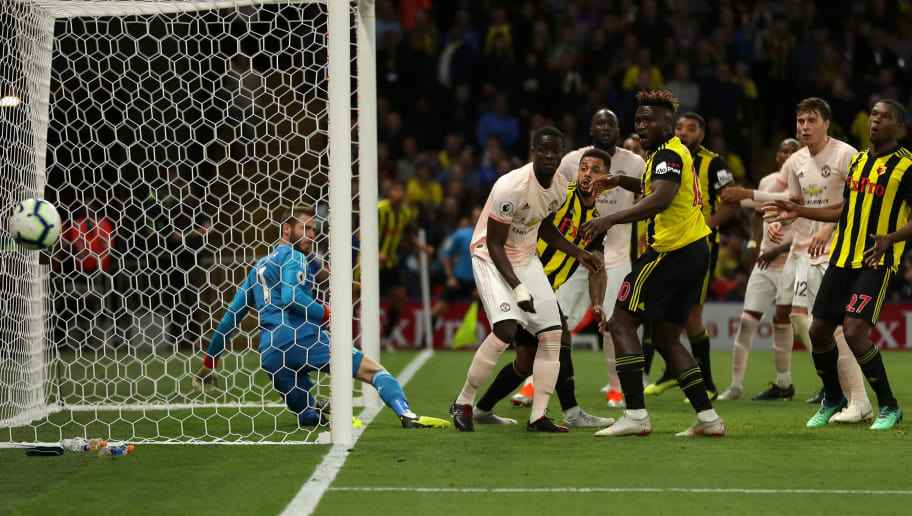 WATFORD, ENGLAND - SEPTEMBER 15:  Watford and Manchester United players react following a missed chance during the Premier League match between Watford FC and Manchester United at Vicarage Road on September 15, 2018 in Watford, United Kingdom.  (Photo by Richard Heathcote/Getty Images)