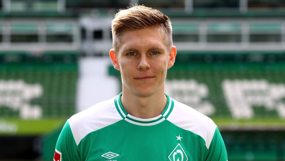 BREMEN, GERMANY - SEPTEMBER 13:  Aron Johannsson of Werder Bremen poses during the team presentation at Weser Stadion on September 13, 2018 in Bremen, Germany.  (Photo by Martin Rose/Bongarts/Getty Images)