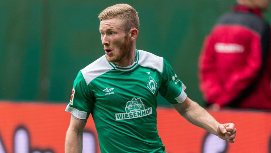 BREMEN, GERMANY - AUGUST 11: Florian Kainz of Werder Bremen runs with the ball during the Pre Season Friendly Match between Werder Bremen and FC Villareal at Weserstadion on August 11, 2018 in Bremen, Germany. (Photo by Boris Streubel/Getty Images)