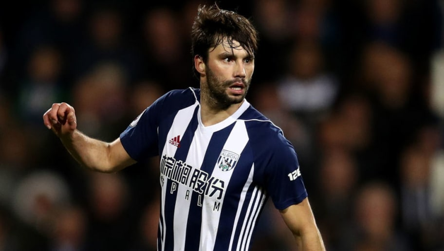 WEST BROMWICH, ENGLAND - NOVEMBER 18: Claudio Yacob during the Premier League match between West Bromwich Albion and Chelsea at The Hawthorns on November 18, 2017 in West Bromwich, England. (Photo by Catherine Ivill/Getty Images)