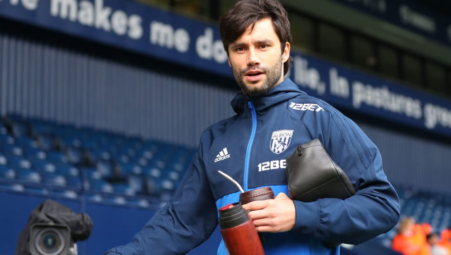 WEST BROMWICH, ENGLAND - APRIL 07:  Claudio Yacob of West Bromwich Albion arrives at the stadium prior to the Premier League match between West Bromwich Albion and Swansea City at The Hawthorns on April 7, 2018 in West Bromwich, England.  (Photo by Catherine Ivill/Getty Images)