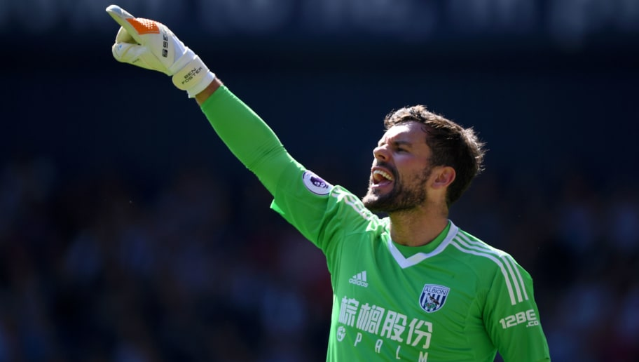 WEST BROMWICH, ENGLAND - MAY 05:  Ben Foster of West Bromwich Albion gives his team instructions during the Premier League match between West Bromwich Albion and Tottenham Hotspur at The Hawthorns on May 5, 2018 in West Bromwich, England.  (Photo by Shaun Botterill/Getty Images)