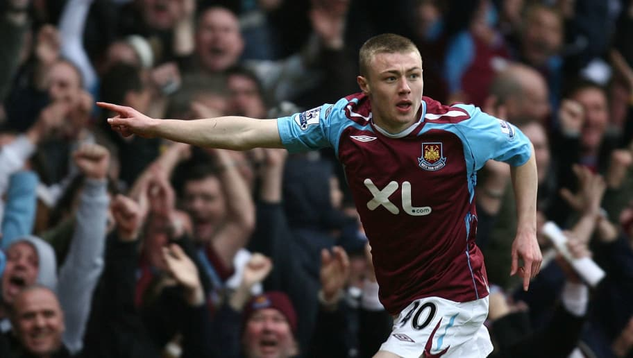 LONDON - MARCH 15:  Freddie Sears of West Ham celebrates scoring their winning goal during the Barclays Premier League match between West Ham United and Blackburn Rovers at Upton Park on March 15, 2008 in London, England.  (Photo by Christopher Lee/Getty Images)