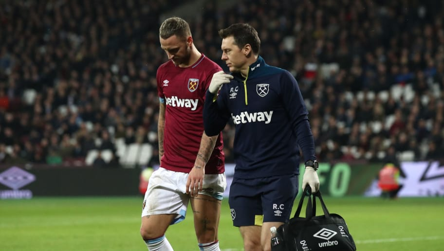 LONDON, ENGLAND - DECEMBER 04: Marko Arnautovic of West Ham United leaves the pitch injured during the Premier League match between West Ham United and Cardiff City at London Stadium on December 04, 2018 in London, United Kingdom. (Photo by Julian Finney/Getty Images)