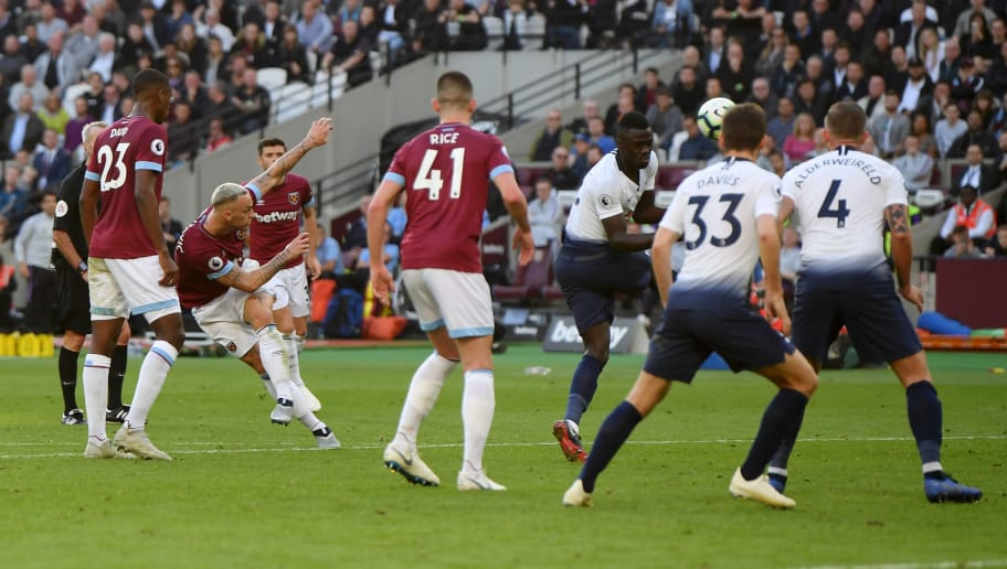 LONDON, ENGLAND - OCTOBER 20:  Marko Arnautovic of West Ham United shoots during the Premier League match between West Ham United and Tottenham Hotspur at London Stadium on October 20, 2018 in London, United Kingdom.  (Photo by Mike Hewitt/Getty Images)
